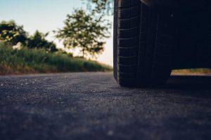 road car tire33 300x200 road car tire33