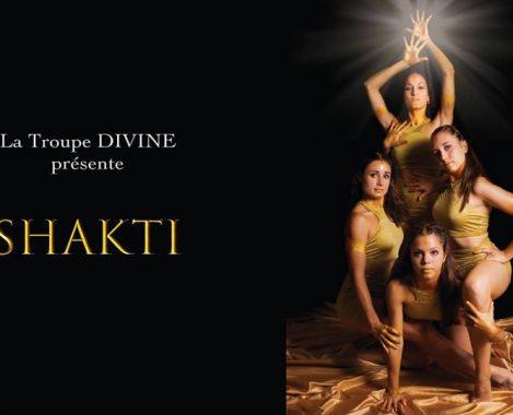 La troupe Divine Shakti