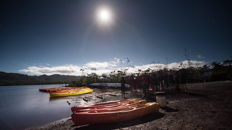Sortie-kayak-en-pleine-lune